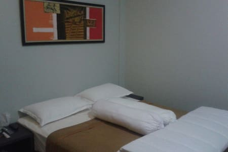 d'Raya Guest House - Bed & Breakfast