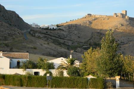 Casa Rural con encanto en Teba - House