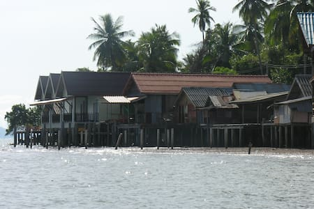 Fisherman's house over the sea  - Ko Lanta Yai - Hus