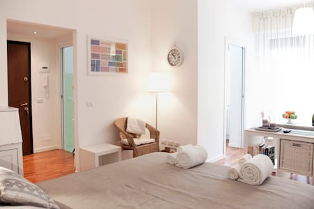 Beautiful flat in Milano center !!! - Milan - Apartment