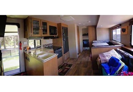 On-Site Camper (Brand New!) - Maple Lake - Wohnwagen/Wohnmobil
