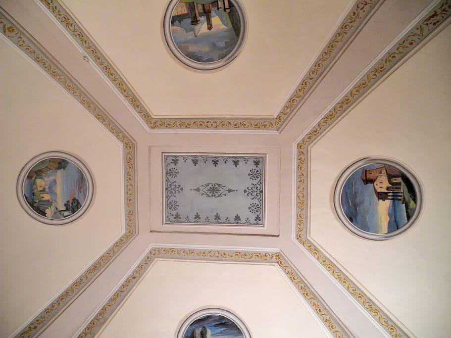 soffitto ottocentesco del salone