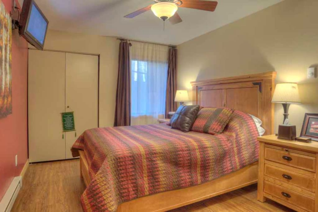 Master bedroom - perfect for a great night's sleep after a hard day of skiing!