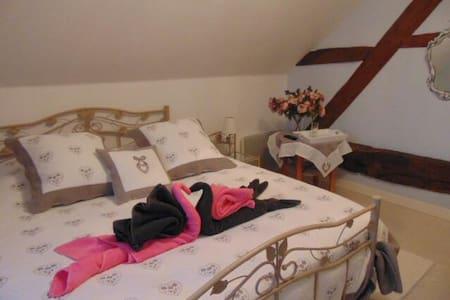 Chambre Chambly lit 160  pour 2 prs - Notre-Dame-du-Touchet - Bed & Breakfast