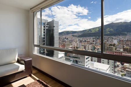 HEART OF QUITO DEPARTMENT WITH VIEW - Quito - Appartamento