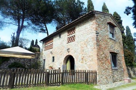 Fienile, Colline del Chianti, pt - Montespertoli