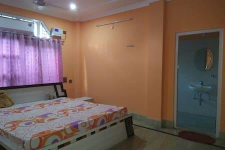 Modern Private room in a  duplex - Guwahati - Villa