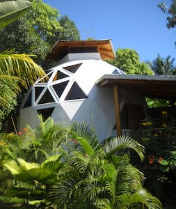 La Sirena Domehouse in Alma Villa.