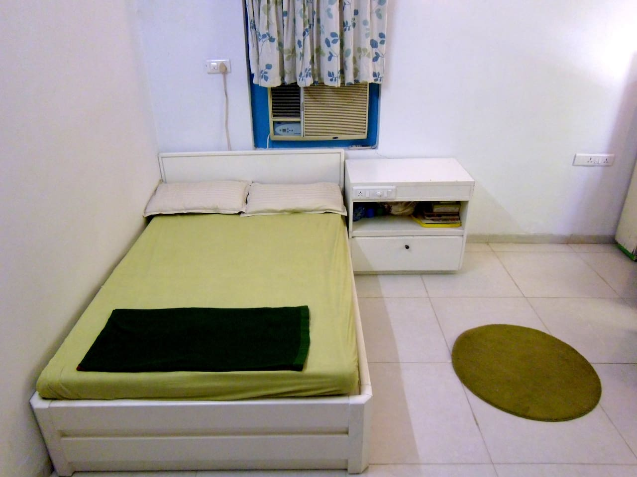 Private AC Room in Ahmedabad