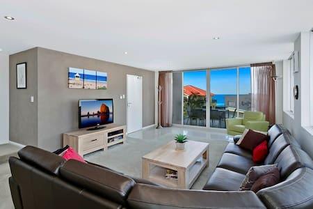 Catalina Luxury Apartments 9 - Blue Bay - Huoneisto