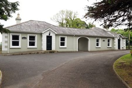 Brookhall Self Catering Cottages - Chatka w górach