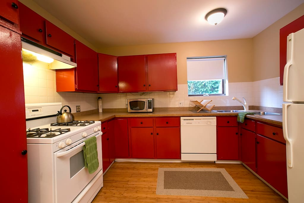 The Blue Line Studio Apartment is equipped with a full kitchen, and we'll do your dishes!