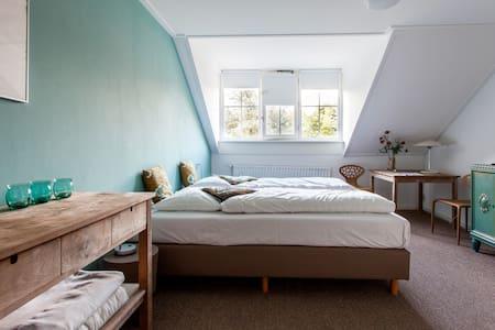 Landhuis kamer 3, Bergen opZoom - Bed & Breakfast