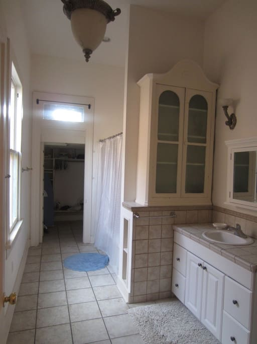 Heart of City nice 1BR near to ALL