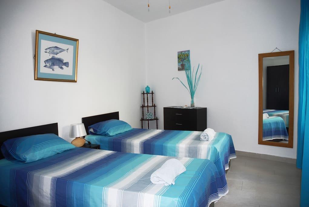 5-Second double bedroom.