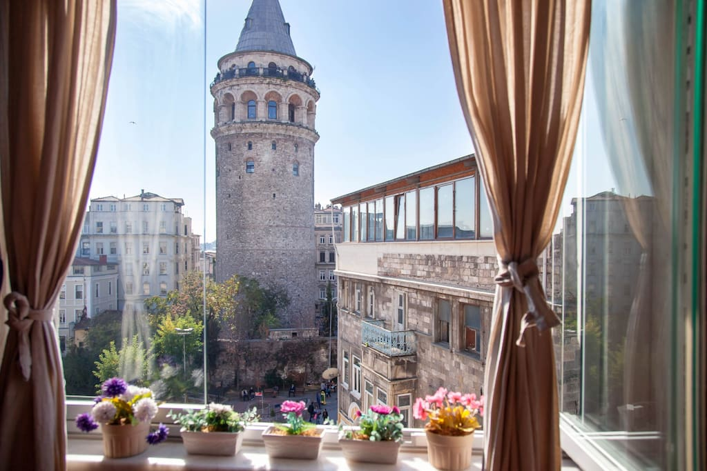 ROA - Amazing Galata Tower View