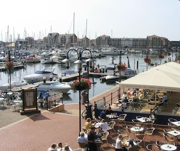 Compact apartment near the harbour and sea - Eastbourne - Apartemen