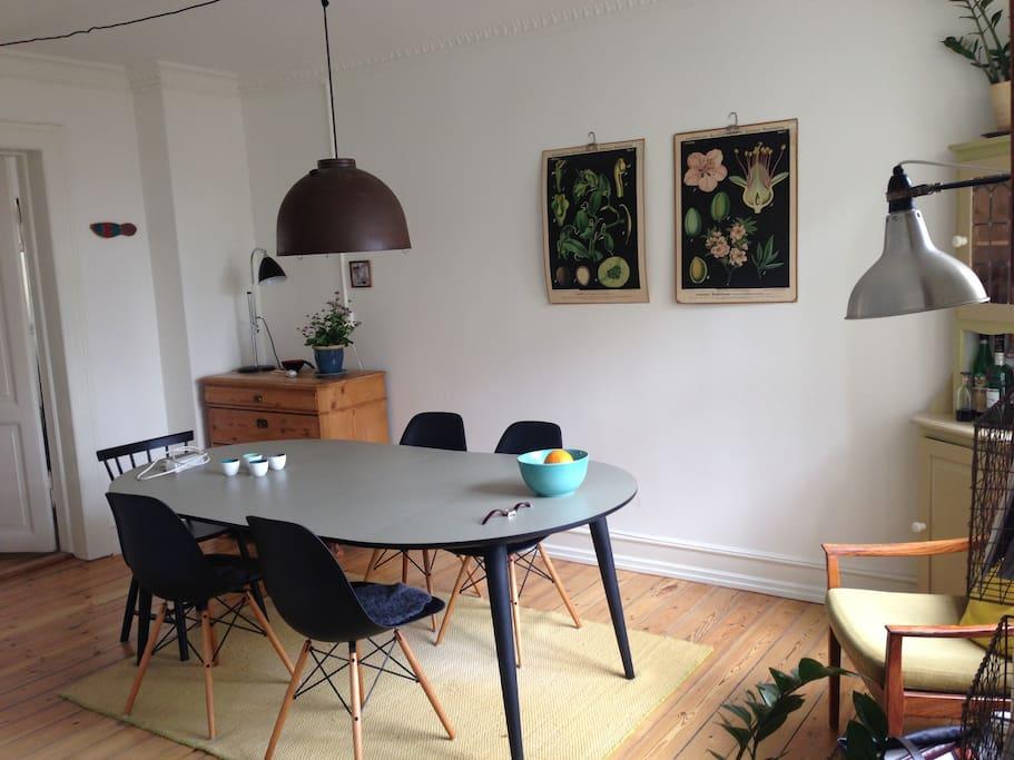 Dinningroom with 5 seats