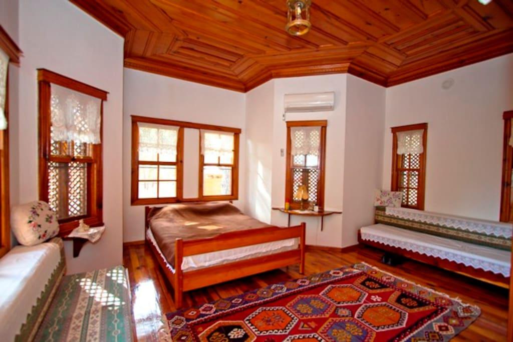 2.ebeveyn yatak odası ve divanlar