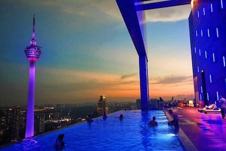 New Amazing Pool With KLCC View at Kuala Lumpur - Apartment