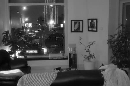 Hip Loft overlooking  BURJ KHALIFA