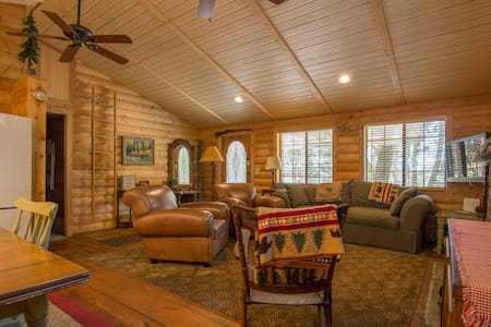 Fiddler's Cabin, an updated classic - Palomar Mountain - Chalet