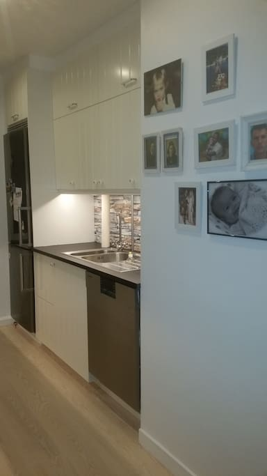 Beautiful, ligth and fully equipped kitch en. We have a dishwasher.