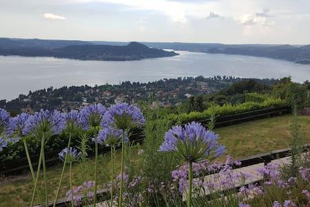 Cosy villa with garden overlooking Lake Maggiore - Villa