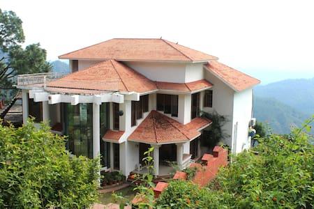 Villa in Himachal, 4 hrs from Delhi - Huvila