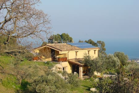 A  house with a breathtaking view - Roccella Ionica