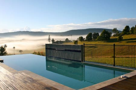 Valley of the Mists- Incredible October specials - Blueys Beach - Ev