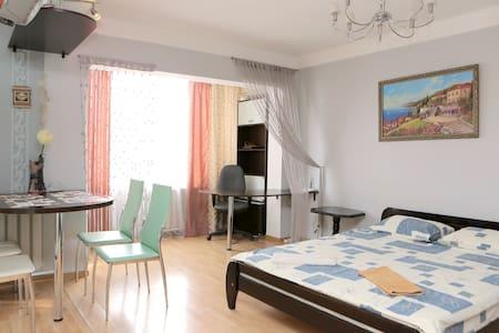 Luxury apartment Studio, metro KPI - Lakás