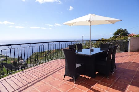 sea view everywhere in the house - Estreito Da Calheta - Casa