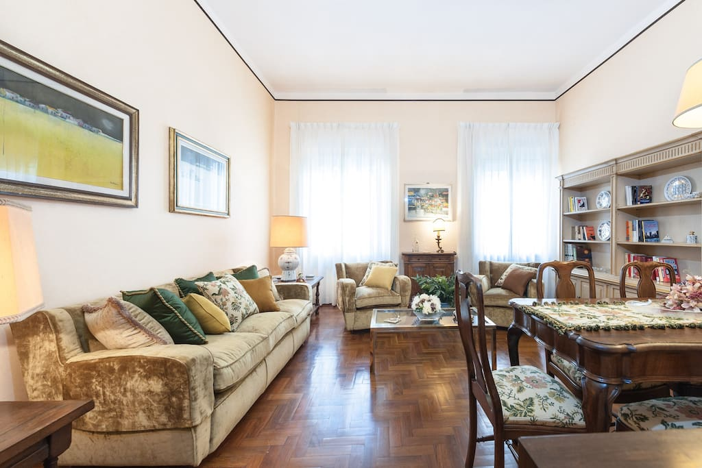 Suite apartment in Florence