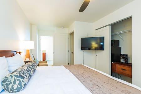 Oceanfront Studio 30 steps to the SAND + Pool! - Condominium