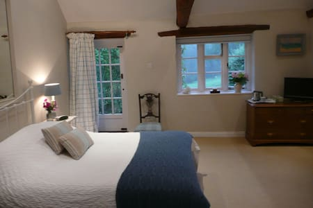 B&B Amazing Chiltern views, Ibstone - Pousada