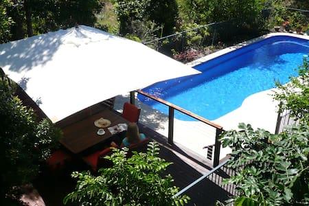 Beachfront Luxury Home; Spa bathrooms, Pool Canoe - House