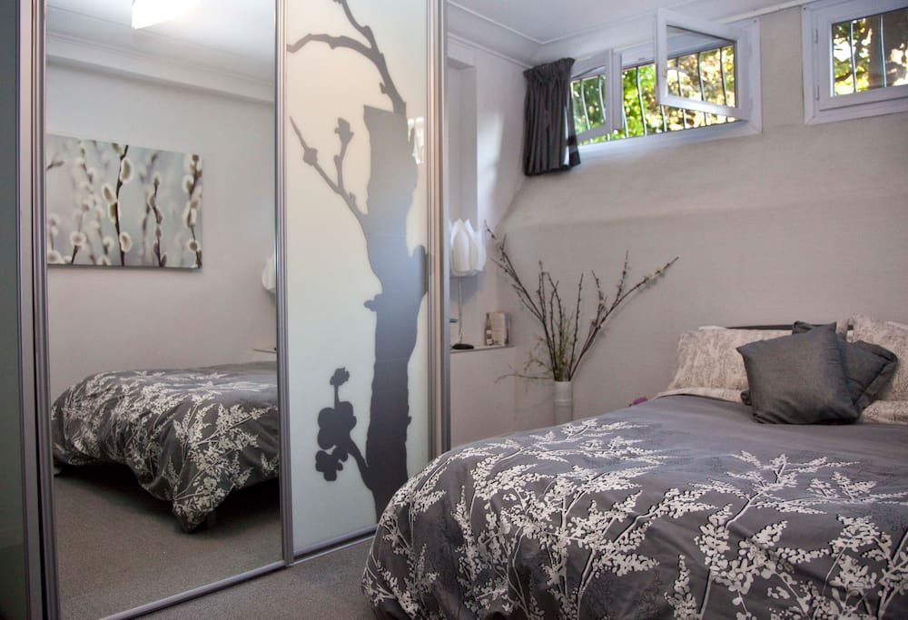 Main bedroom with ensuite toilet/basin