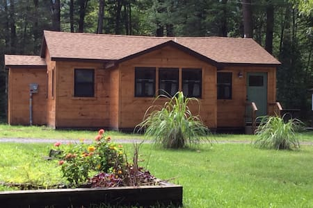 Moon Lake Cottage - Ashland - Cabaña