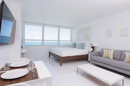 New 14th Floor Beachfront Oceanview