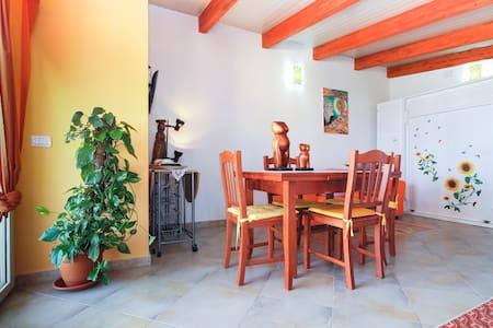 monolocale mansardato con terrazza  - Sant'Antioco - House