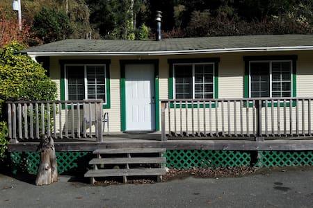 Woodland Villa Cabin 7 - Klamath - Kisház
