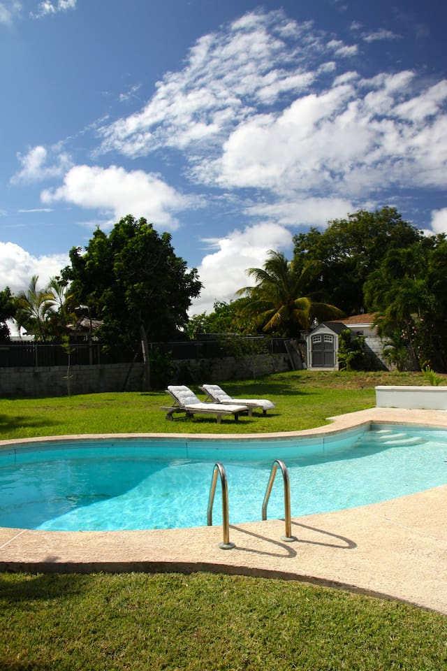 Huge garden with a lovely deep swimming pool, perfect for cooling off while sunbathing!