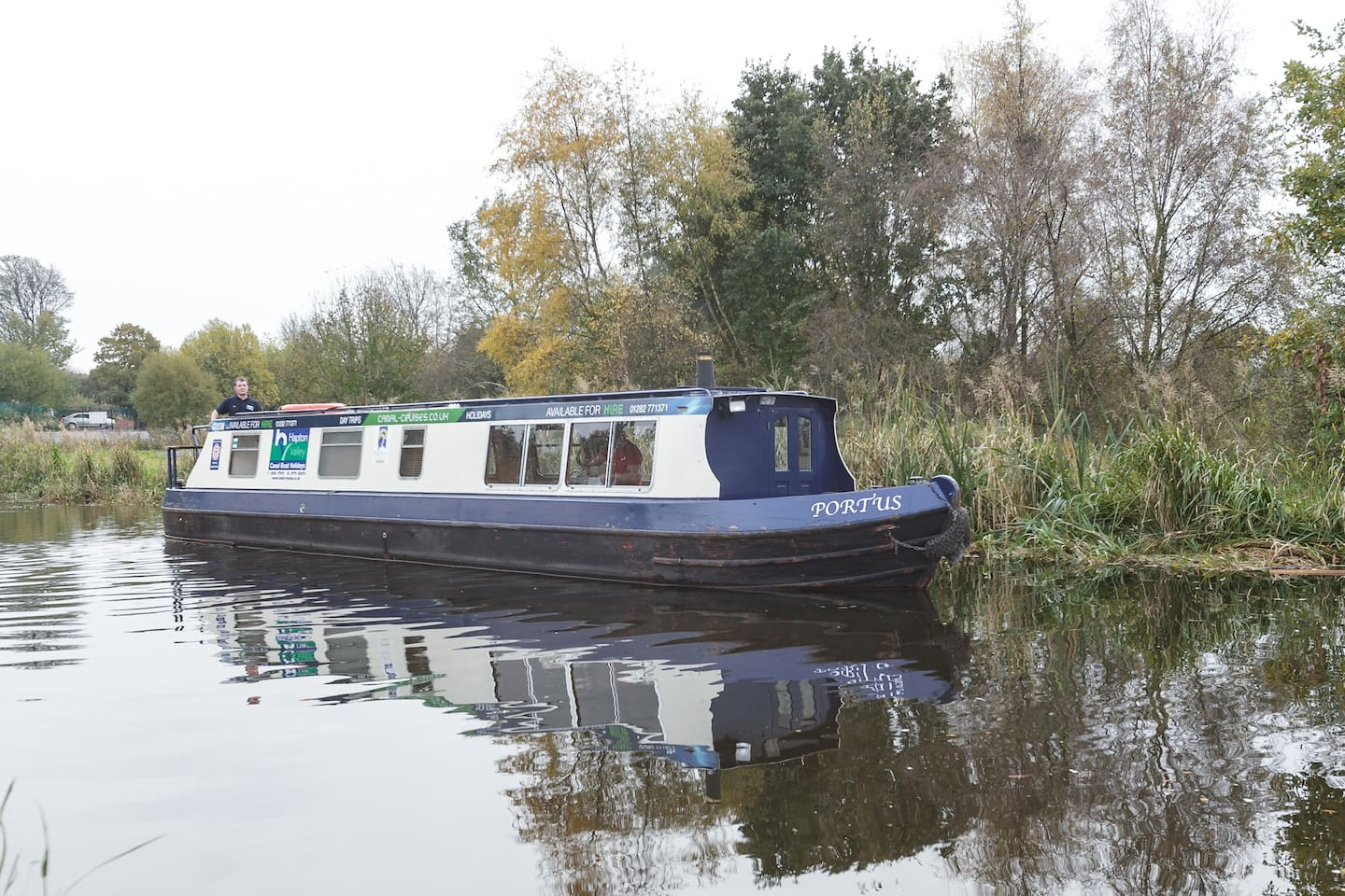 Private Boat Hire *Sleeps 4 Guests