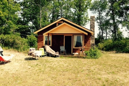 Lakefront rustic cottage near Salmon River - Pulaski - Blockhütte