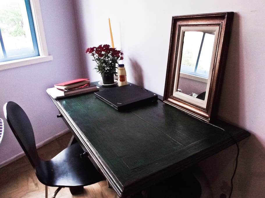 nice table with wifi connection where you can write and manage your emails