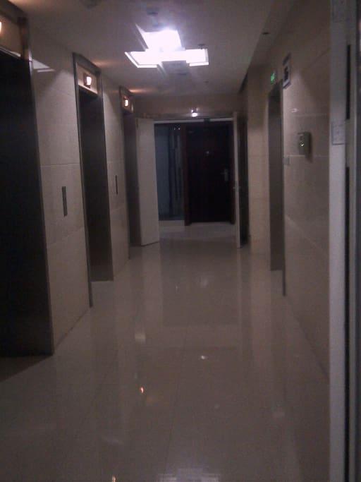 杭州钱塘江边豪华公寓--观钱塘江景