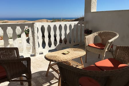Sicilian Villa just ON THE BEACH - Triscina - Villa