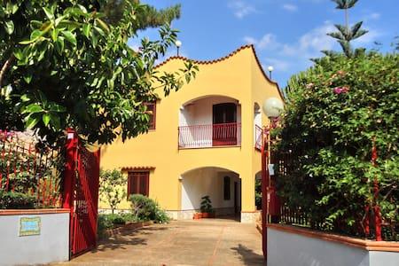 Appartamento in villa con giardino - Trabia - Apartment