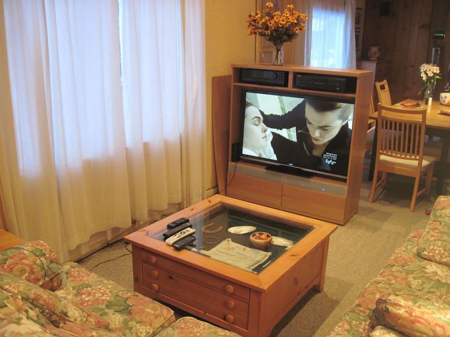 Upper master bedroom with HD TV DirecTV and DVD player.